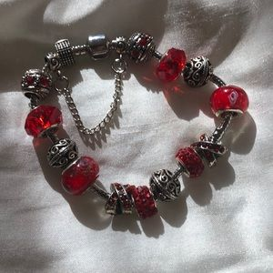 Jewelry - Mutano bead red beads bracelet NEW